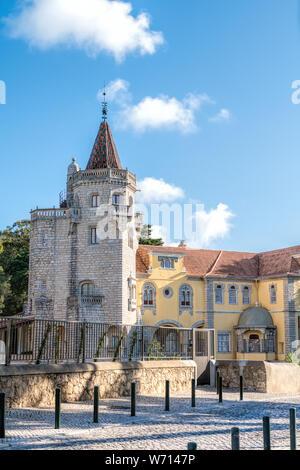 Hermoso edificio del Museo Condes de Castro Guimarães en Cascais, Portugal . El museo se encuentra Castro Guimaraes la mayoría interestin arquitectónico