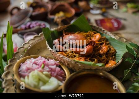 Aceh fideos tradicional stock con cangrejo