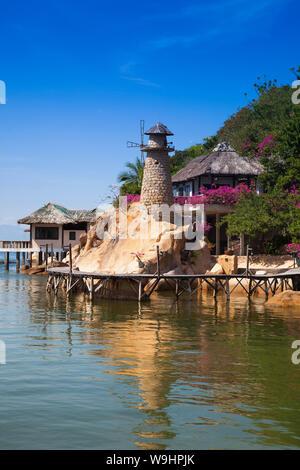 Pequeño bungalow resort Ngoc Suong, en Cam Ranh Bay,el mar del sur de china, Nha Trang, Vietnam, Asia, 30074671