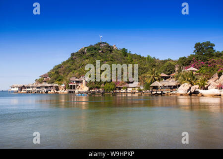Pequeño bungalow resort Ngoc Suong, en Cam Ranh Bay,el mar del sur de china, Nha Trang, Vietnam, Asia, 30074700