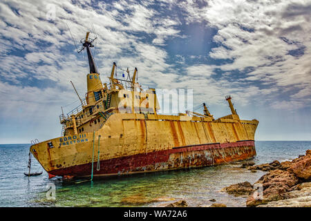 Edro III naufragio frente a la costa de Chipre