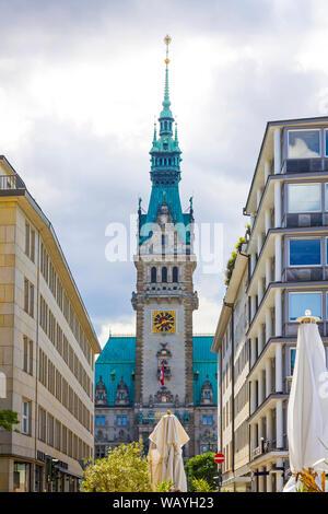 Torre de Hamburg City Hall. Situado en la plaza del mercado (Rathausmarkt). Es la sede del gobierno local de la Ciudad Libre y Hanseática de Hamburgo