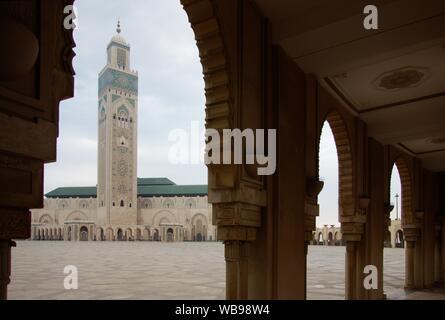 El más famoso e impresionante edificio en Casablanca - Mezquita Hassan II.