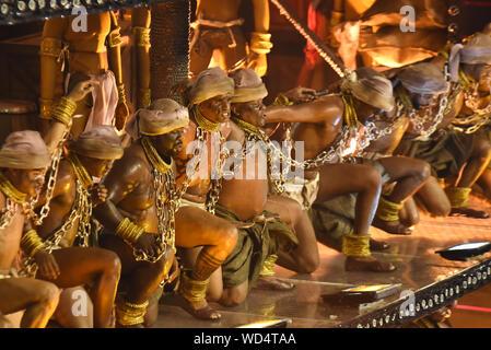 Río de Janeiro, Brasil, Marzo 04, 2019: Imperatriz Leopoldinense desfile de escuela de samba en el Carnaval de Río de Janeiro