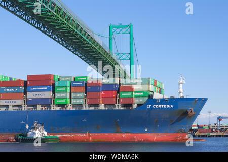 Imagen que muestra la LT Cortesia buque portacontenedores que parten del Puerto de Los Angeles.