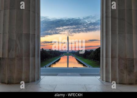 Lincoln Memorial al amanecer en Washington, D.C.