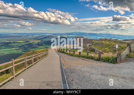 Panorámica desde el Puy de Dôme, Auvernia, Francia
