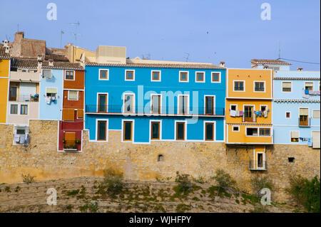 Coloridas casas en Villajoyosa La Vila Joiosa Alicante en España mediterránea