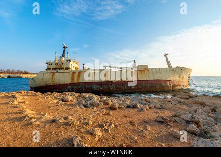 La Edro III naufragio, cerca de Peyia (Pegeia), Distrito de Paphos, en Chipre