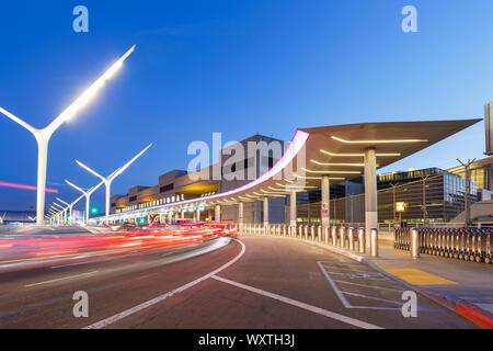 Los Angeles, California - 14 de abril de 2019: El aeropuerto internacional de Los Ángeles (LAX) en los Estados Unidos.
