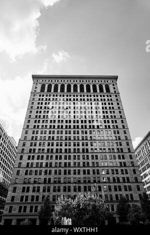 Imágenes en blanco y negro de los edificios en el centro de Pittsburgh