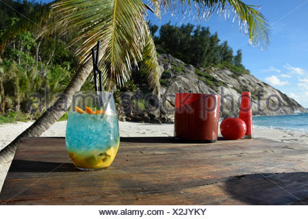 Cócteles, el mar, el agua, el norte de la isla, Las Palmas, Islas Seychelles, África, playa, mar, playa, bar, Foto de stock