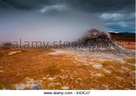 Área geotérmica Hverir cerca del lago Myvatn, Islandia, Europa, fumarolas, Foto de stock