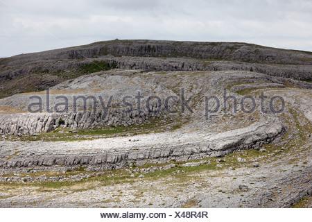 Paisaje cárstico, Burren National Park, en el condado de Clare, Irlanda, Europa