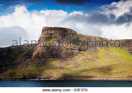 Desde el punto de vista Neist Waterstein Head, Duirinish, Isla de Skye, Escocia, Reino Unido Foto de stock