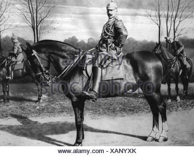 Guillermo II, 27.1.1859 - 4.6.1941, el emperador alemán, 15.6.1888 - 9.11.1918, longitud completa, sentado, caballo, 1914, equitación, uniforme, mil