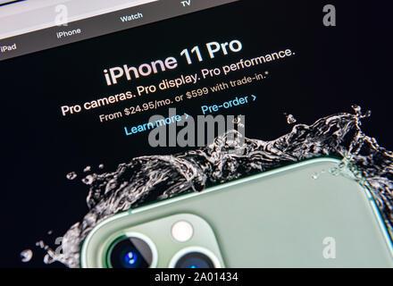 Kiev, Ukraine - le 12 septembre 2019: un gros plan du site apple.com avec annonce à propos de Apple Inc. publié officiellement le nouvel iPhone 11 Pro Banque D'Images
