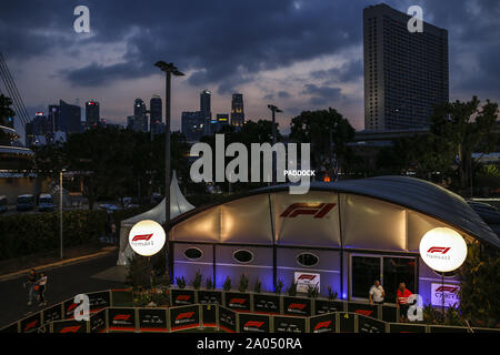Marina Bay, Singapour. 19 Sep 2019. Sport Automobile: Championnat du Monde de Formule 1 de la FIA 2019, Grand Prix de Singapour, F1 Paddock de nuit: dpa Crédit photo alliance/Alamy Live News Banque D'Images