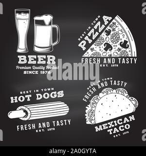 Ensemble de fast food design rétro d'un insigne au tableau. Vector vintage design avec la pizza, de la bière, taco, hot-dog pour pub ou fast food business. Modèle pour les objets d'identité restaurant, l'emballage et menu