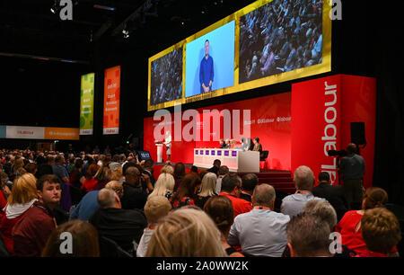 Brighton UK 22 Septembre 2019 - Angela Raynor MP l'ombre Secrétaire d'Etat à l'éducation s'adressant aujourd'hui à la conférence du parti travailliste qui a lieu au centre de Brighton cette année. Crédit photo: Simon Dack / Alamy Live News