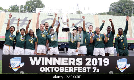 Munich, Bavière, Allemagne. 22 Sep, 2019. L'équipe gagnante de l'Afrique du Sud .finale, Rugby tournoi, l'Afrique du Sud contre les Fidji, .Munich, stade olympique, 22 septembre 2019, les équipes de Nouvelle-Zélande, Angleterre, Afrique du Sud, Allemagne, Australie, Fidji, USA et France prendre part à ce tournoi de 2 jours, le Crédit: Wolfgang Fehrmann/ZUMA/Alamy Fil Live News
