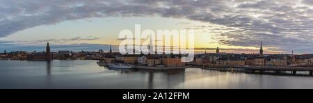 Suède Stockholm, panorama sur les toits de la ville de sunrise à Gamla Stan et Slussen