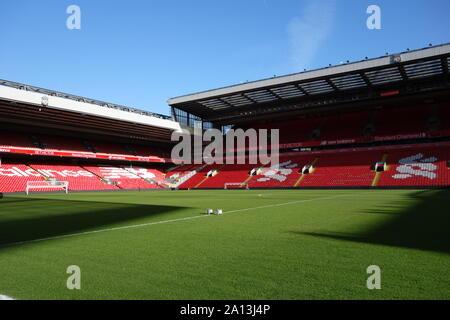 Videz le terrain d'Anfield le jour de l'été