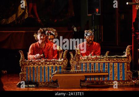 Le gamelan est l'ensemble de musique traditionnelle, Javanais, Sundanais et balinais en Indonésie, composé principalement d'instruments à percussion. Banque D'Images