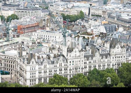 Vue de la ville de Westminster, Londres, Angleterre vu depuis les hauteurs de l'iconic London Eye.The Royal Horseguards Hotel, ancien Banque D'Images