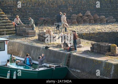 22 septembre 2019. Keiss Harbour, Highlands, Scotland, UK. C'est une scène du tournage de la Couronne concernant le meurtre de Lord Mountbatten en Irlande.