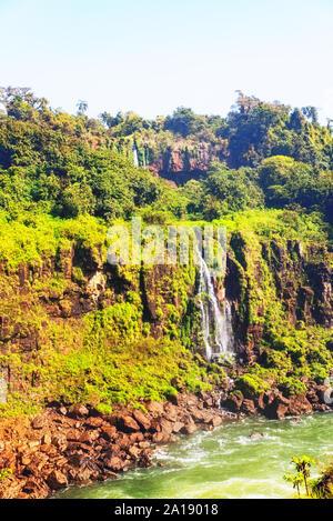 Cataratas do Iguaçu chutes d'eau, le plus grand des Amériques.