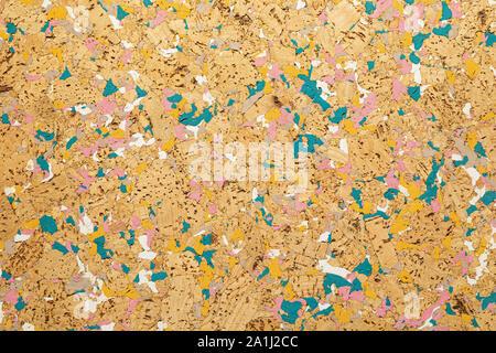 Close-up du liège Isolation acoustique avec retard interspersing des sols et des murs peinture bleu Banque D'Images