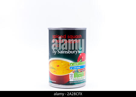 Tin, peut de Sainsburys propre marque 'spiced squash & red pepper' soupe. UK