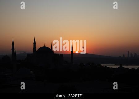 Silhouette Sainte-sophie au lever du soleil, Istanbul, Turquie.