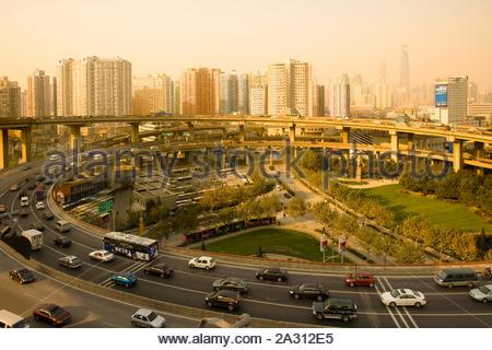 Accès / Sortie sur Nanpu Bridge, Shanghai, Chine, Asie Banque D'Images