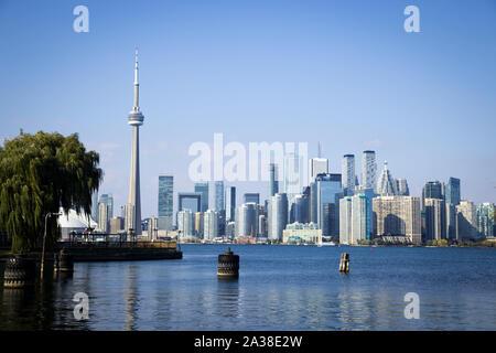 Sur les toits de la ville avec la Tour CN, Toronto, Ontario, Canada