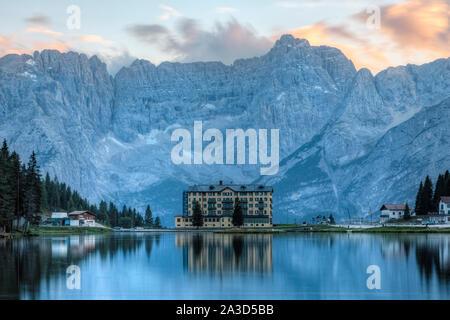Le lac de Misurina, Cortina d'Ampezzo, Belluno, Vénétie, Dolomites, Italie, Europe