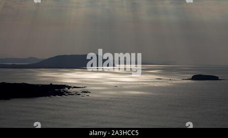 La lumière sur la baie Trawbreaga pommelé et Dunaff Head de soldats Hill, péninsule d'Inishowen, Co Donegal, Irlande Banque D'Images