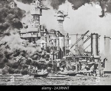 Le destroyer de la flotte américaine à Pearl Harbour. La France d'amercain de 31,800 tonnes' Virginie de l'Ouest ' falls et s'enfonce dans la mer. Banque D'Images