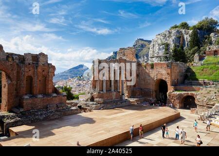 Le grec ancien/amphithéâtre romain de Taormina, Sicile, Italie