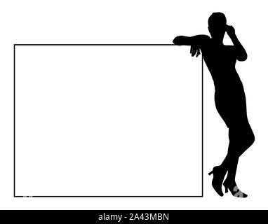 Attractive young woman leaning on blank billboard pour votre texte. Jeune femme d'affaires s'appuya contre un panneau blanc vierge.