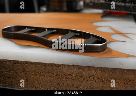 Outil de semelles intérieures de chaussures et pour découper des formes insole Banque D'Images