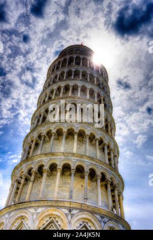 Italie, Toscane, Pise, la tour penchée sur la Piazza dei Miracoli Banque D'Images