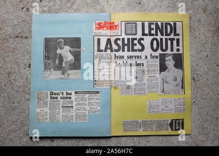 Un album avec des rapports sur le tournoi de tennis de Wimbledon 1984. Banque D'Images