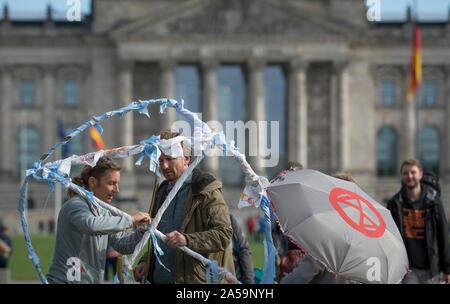 Rébellion Extinction Allemagne établi leur camp climatique près de l'office de chancelier) hors de le Reichstag à Berlin, Allemagne.
