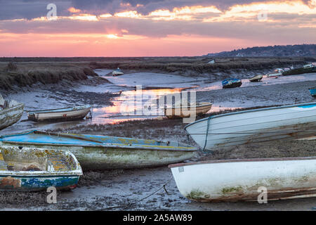 L'aube et le lever du soleil sur Morston Creek, North Norfolk Coast UK Banque D'Images