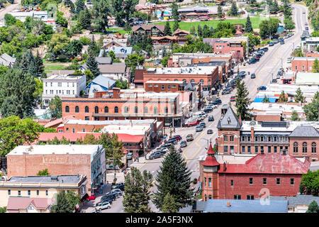 Ouray, USA - Le 14 août 2019: vue aérienne de petite ville du Colorado avec l'architecture historique de la rue principale de la ville Banque D'Images