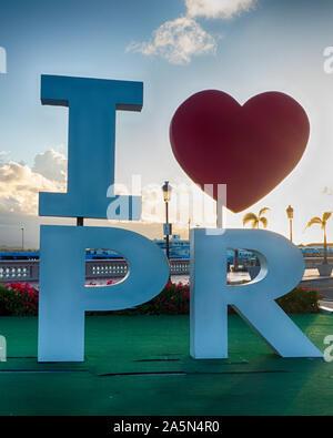Vue rapprochée de l'amour Je signe à Porto Rico à San Juan, Puerto Rico Harbour Banque D'Images