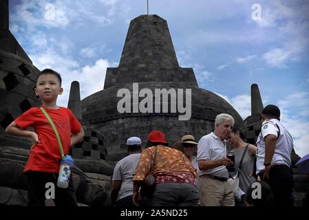 Les touristes au temple de Borobudur dans la province centrale de Java de l'Indonésie. Reynold © Sumayku Banque D'Images