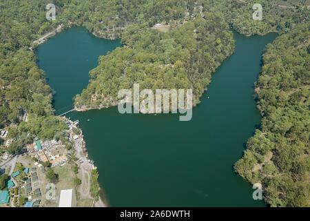 Vue aérienne de sattal Lake dans Uttarakhand, Inde Banque D'Images